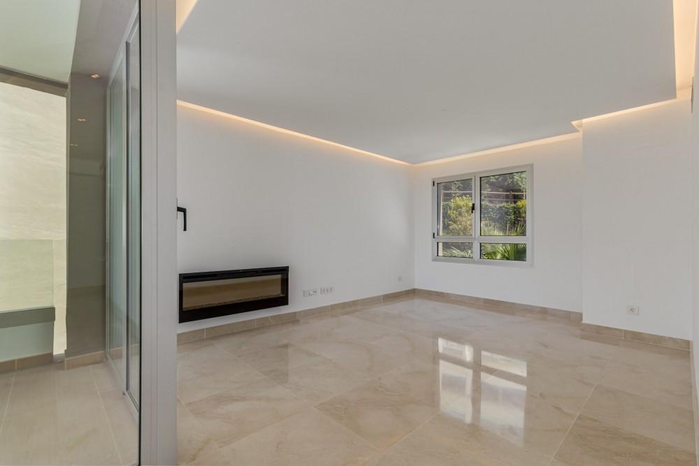 3 bed Property For Sale in Benahavis,  - thumb 5