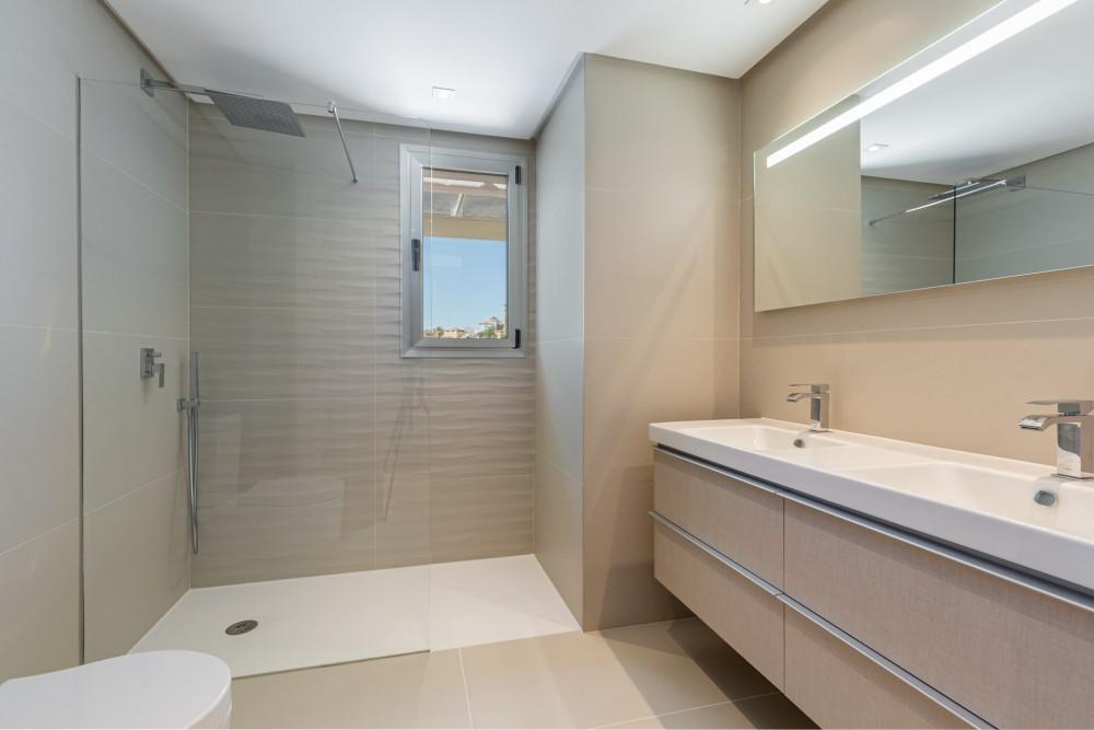 3 bed Property For Sale in Benahavis,  - thumb 9