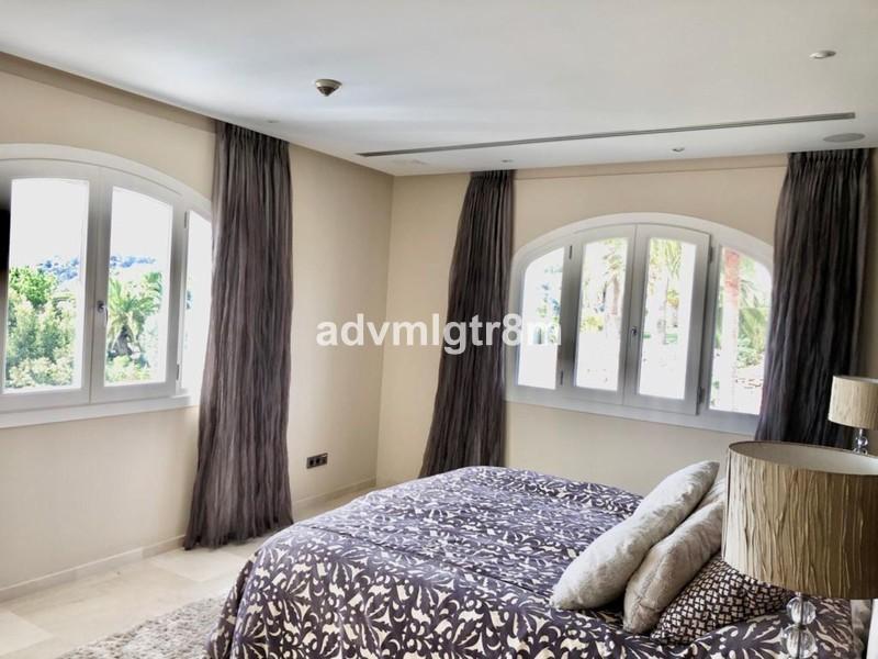5 bed Property For Sale in Benahavís, Costa del Sol - 11