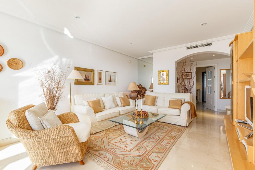 2 bed Property For Sale in Benahavis,  - 4