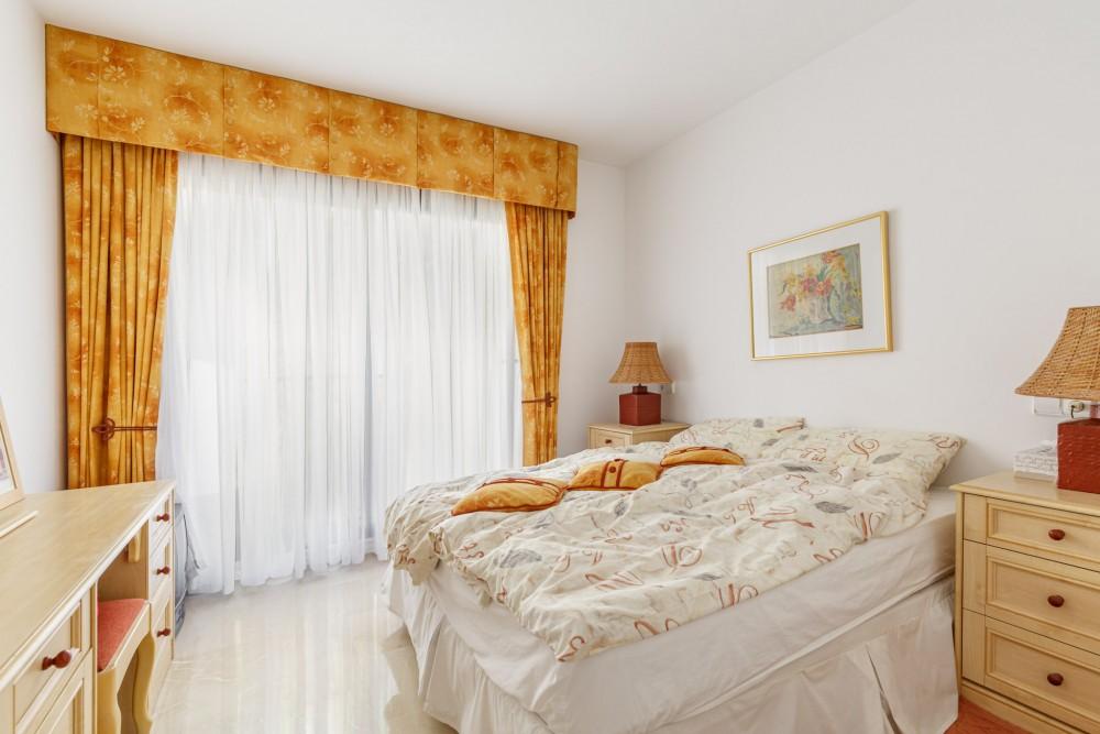 2 bed Property For Sale in Benahavis,  - 9