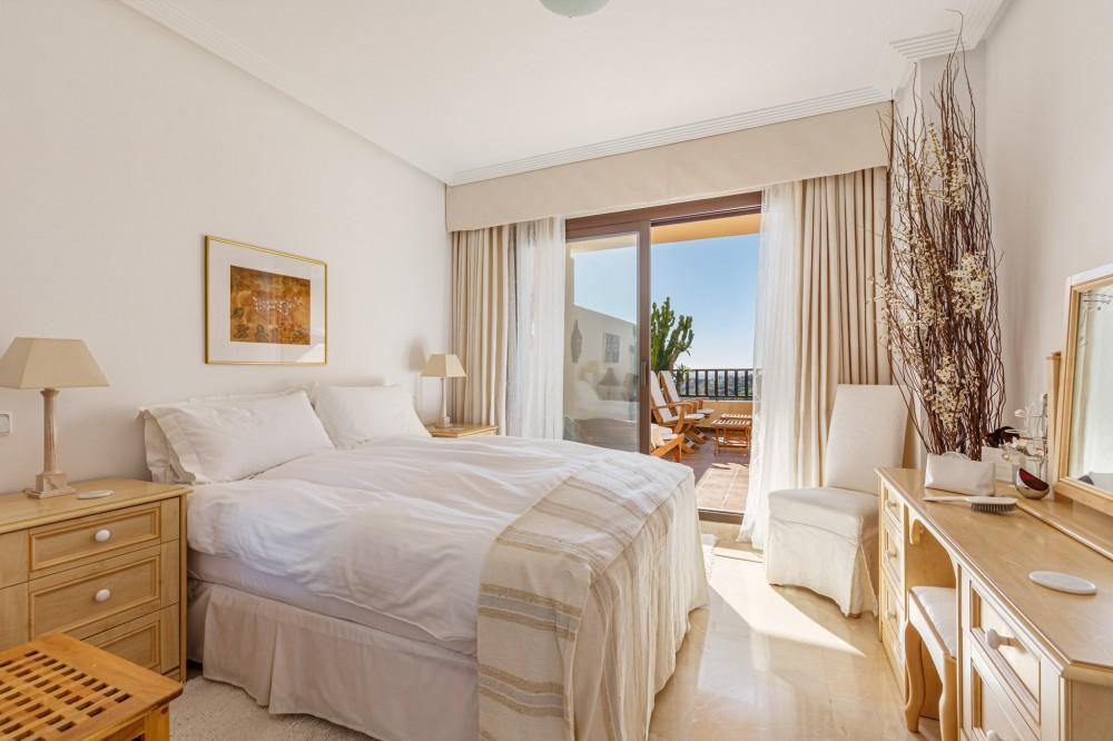 2 bed Property For Sale in Benahavis,  - 7