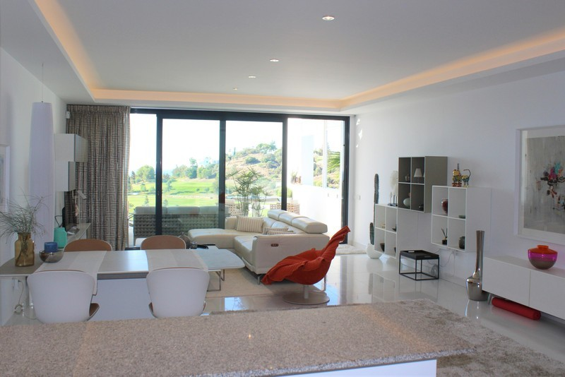 3 bed Property For Sale in Atalaya, Costa del Sol - 16