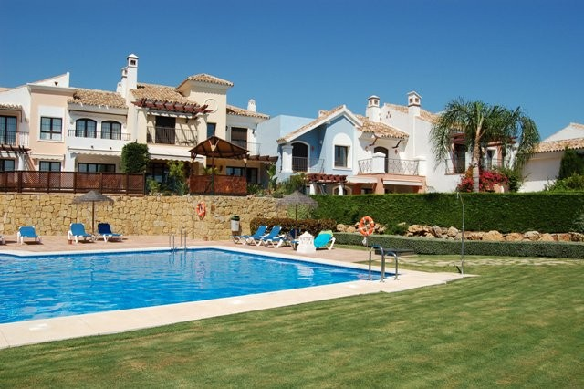 6 bed Property For Sale in Los Almendros,  - 1