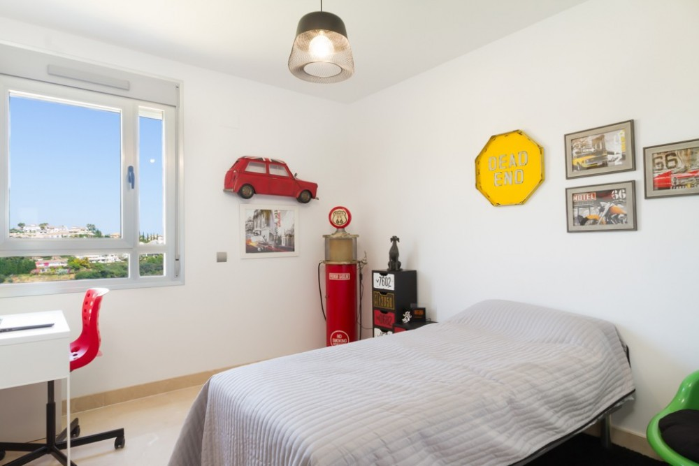 3 bed Property For Sale in Avalon,  - thumb 8