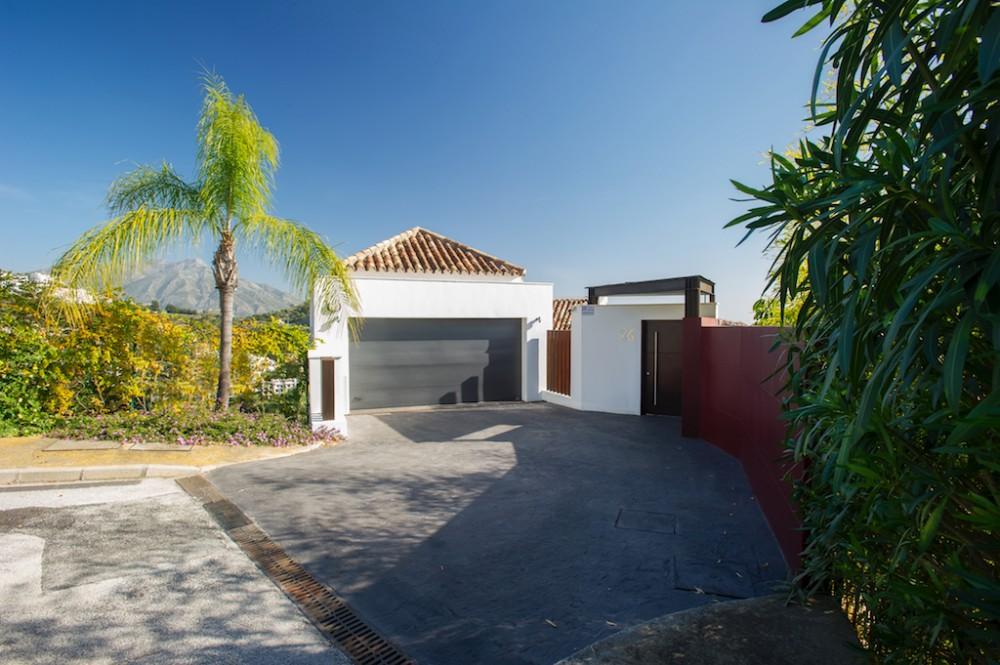 4 bed Property For Sale in Los Arqueros,  - 2