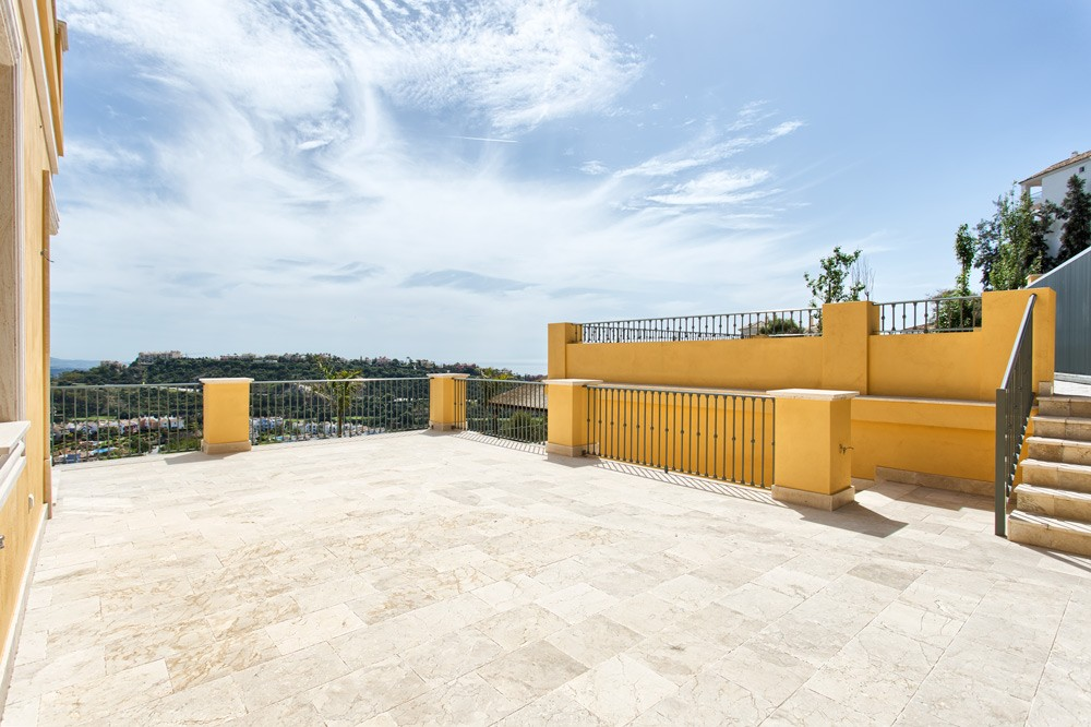 5 bed Property For Sale in Los Arqueros,  - thumb 7