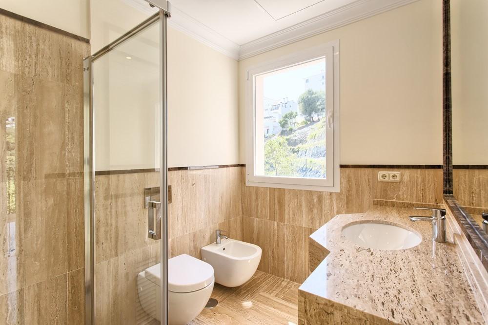 9 bed Property For Sale in Los Arqueros,  - 10
