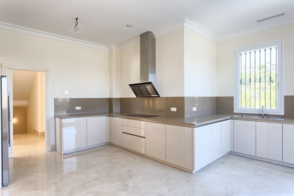 9 bed Property For Sale in Los Arqueros,  - 16