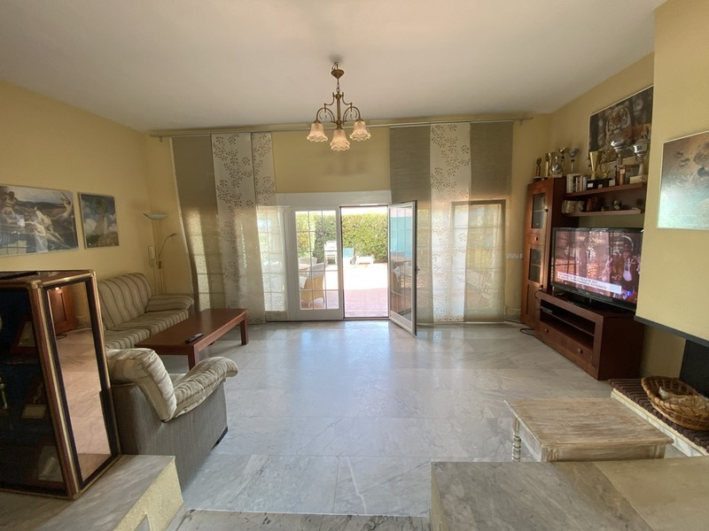 3 bed Property For Sale in Atalaya, Costa del Sol - 5