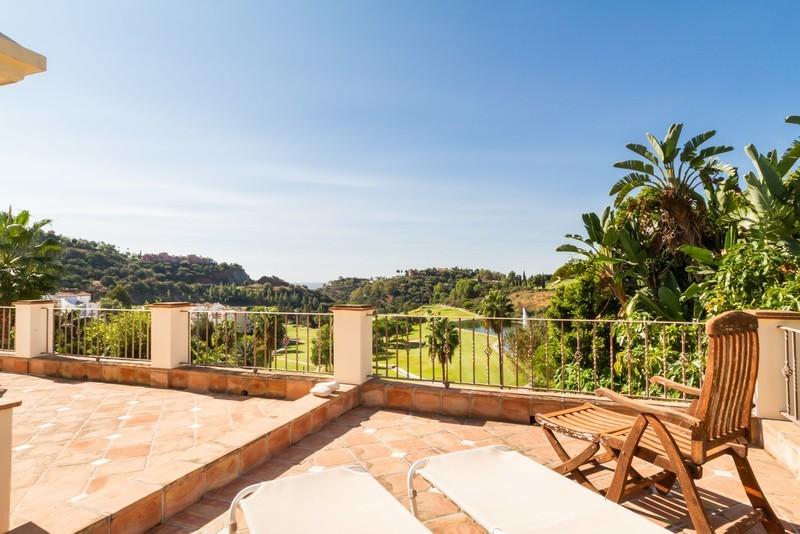 6 bed Property For Sale in Los Arqueros, Costa del Sol - 5