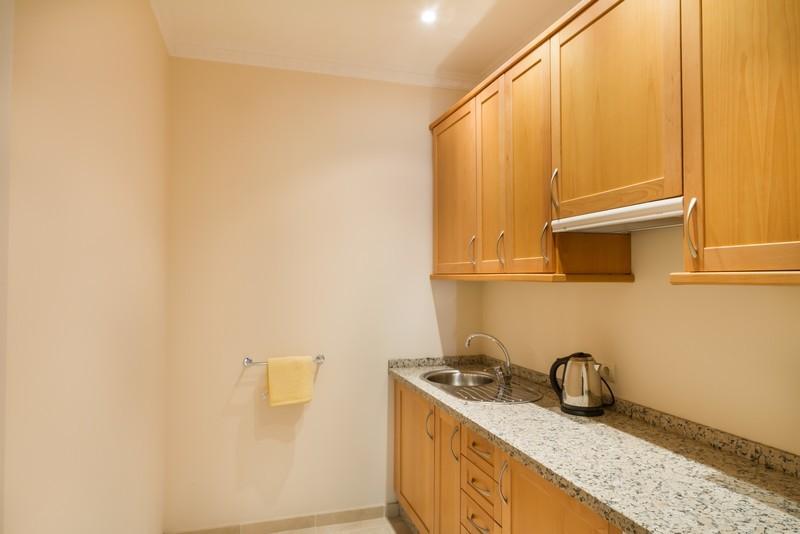 6 bed Property For Sale in Los Arqueros, Costa del Sol - 17
