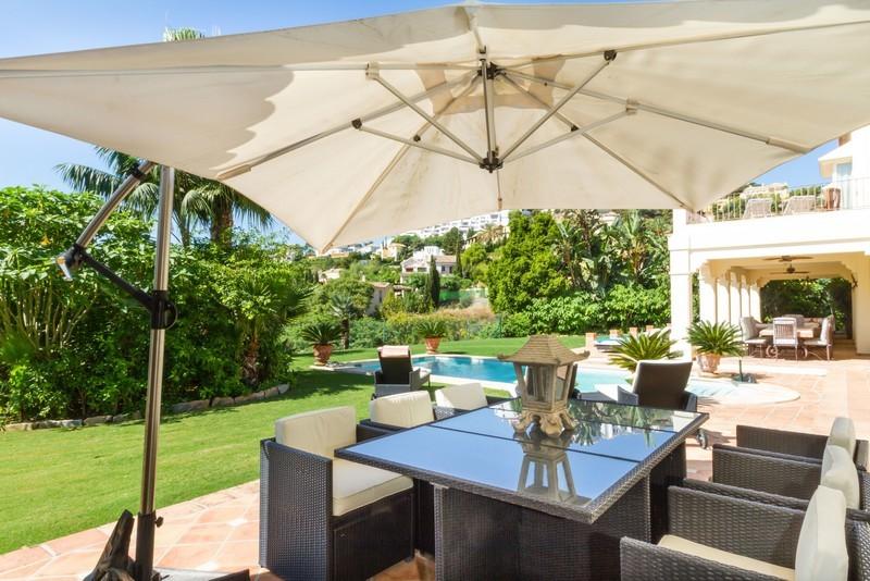 6 bed Property For Sale in Los Arqueros, Costa del Sol - 22