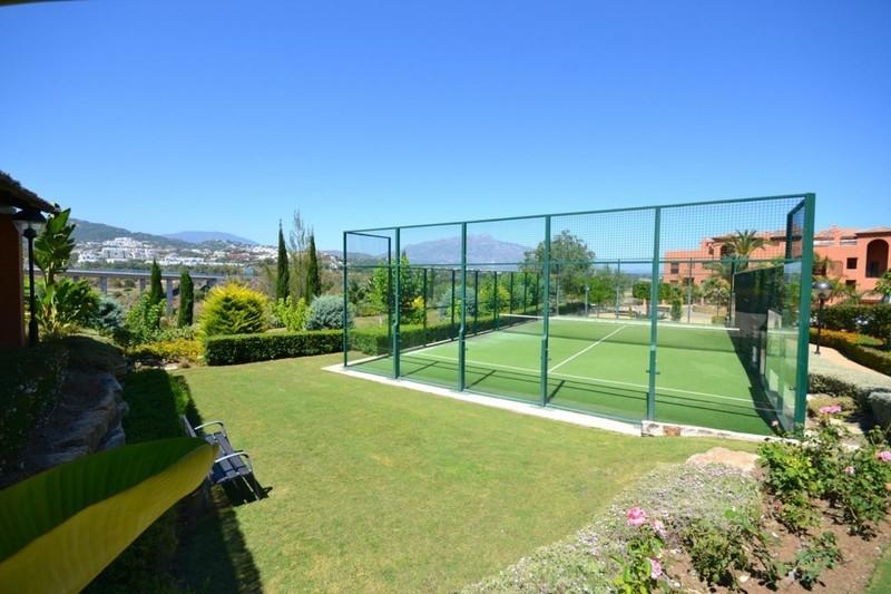 2 bed Property For Sale in Benahavís, Costa del Sol - 11