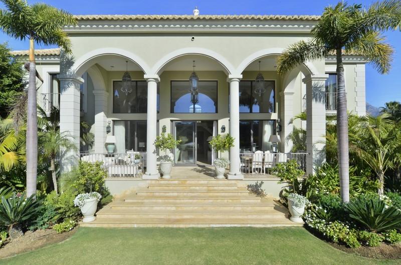5 bed Property For Sale in Benahavís, Costa del Sol - 1