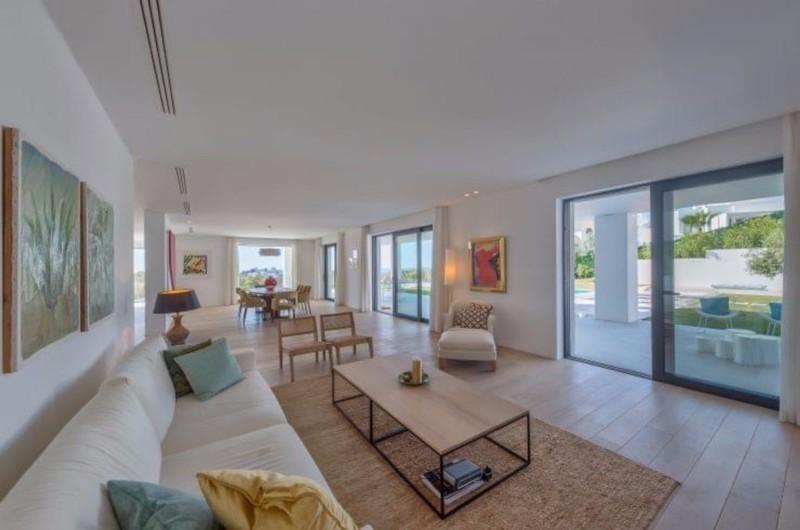 5 bed Property For Sale in Benahavís, Costa del Sol - 7