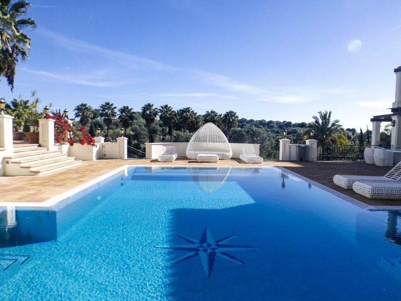 14 bed Property For Sale in Benahavís, Costa del Sol - 2