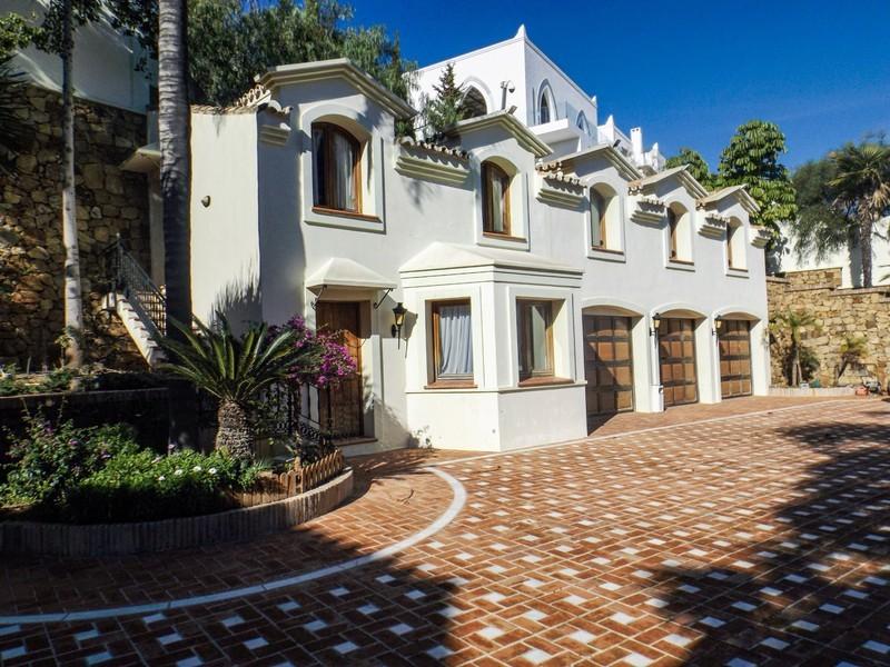 14 bed Property For Sale in Benahavís, Costa del Sol - 8