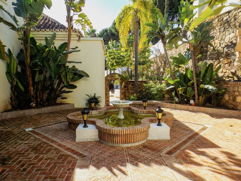 14 bed Property For Sale in Benahavís, Costa del Sol - 26