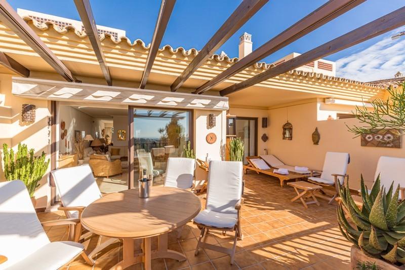 2 bed Property For Sale in Los Arqueros, Costa del Sol - 1