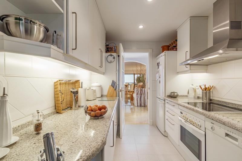 2 bed Property For Sale in Los Arqueros, Costa del Sol - 2