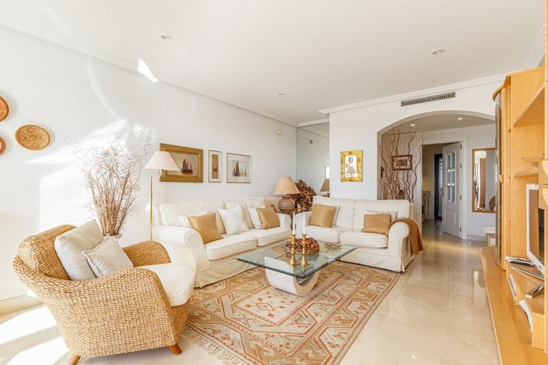 2 bed Property For Sale in Los Arqueros, Costa del Sol - 5