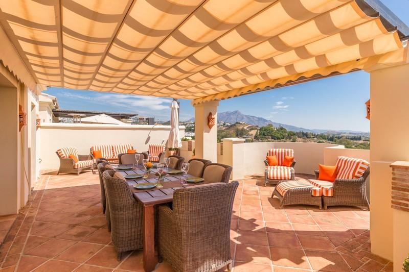 3 bed Property For Sale in Benahavís, Costa del Sol - 6