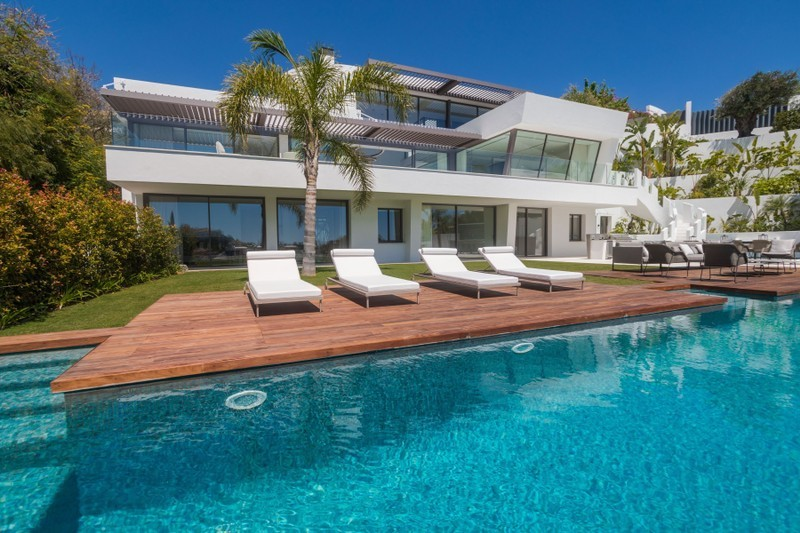 6 bed Property For Sale in Benahavís, Costa del Sol - 1