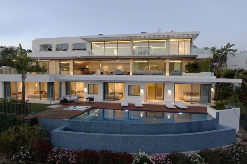 5 bed Property For Sale in Benahavís, Costa del Sol - 33