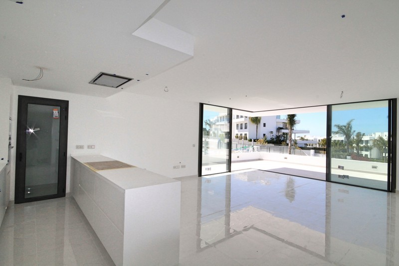 3 bed Property For Sale in Atalaya, Costa del Sol - 12
