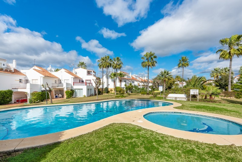 4 bed Property For Sale in Atalaya, Costa del Sol - 1