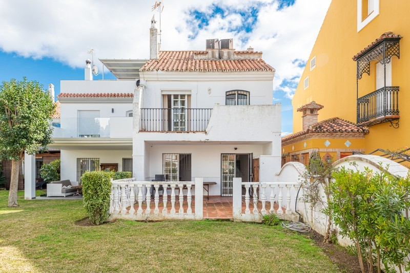 4 bed Property For Sale in Atalaya, Costa del Sol - 5