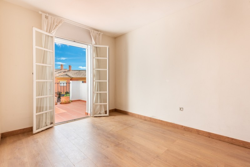 4 bed Property For Sale in Atalaya, Costa del Sol - 7