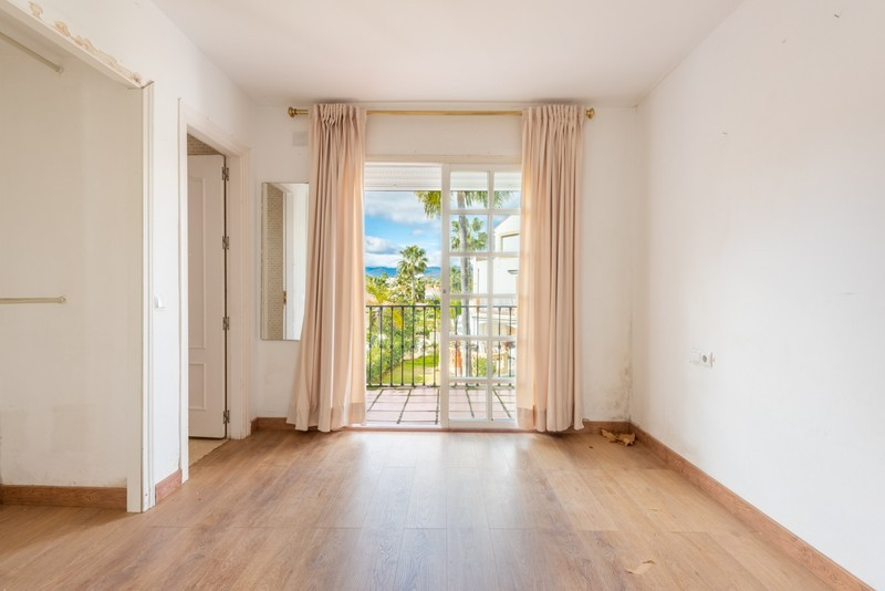 4 bed Property For Sale in Atalaya, Costa del Sol - 9