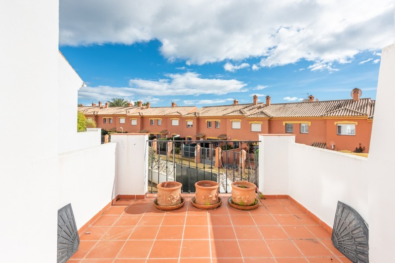 4 bed Property For Sale in Atalaya, Costa del Sol - 13
