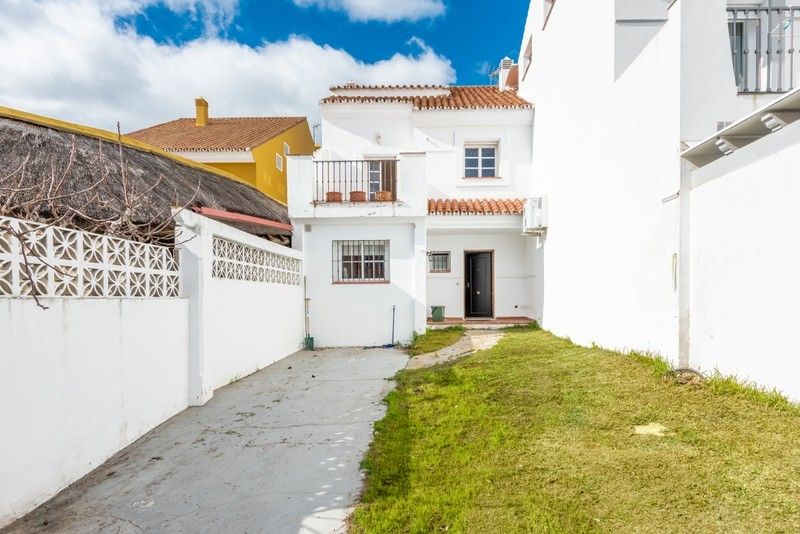 4 bed Property For Sale in Atalaya, Costa del Sol - 17