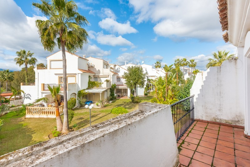 4 bed Property For Sale in Atalaya, Costa del Sol - 18