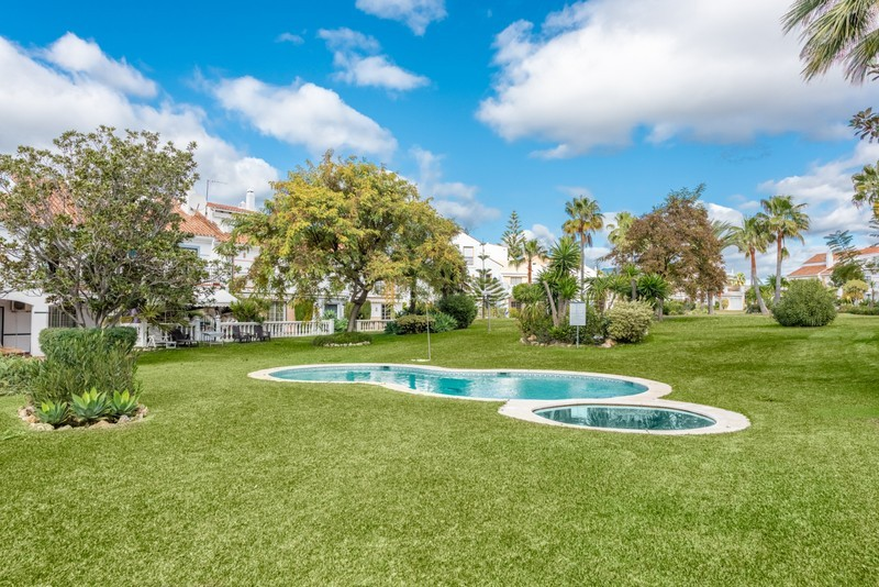 4 bed Property For Sale in Atalaya, Costa del Sol - 19