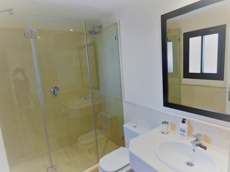 3 bed Property For Sale in Benahavís, Costa del Sol - 11