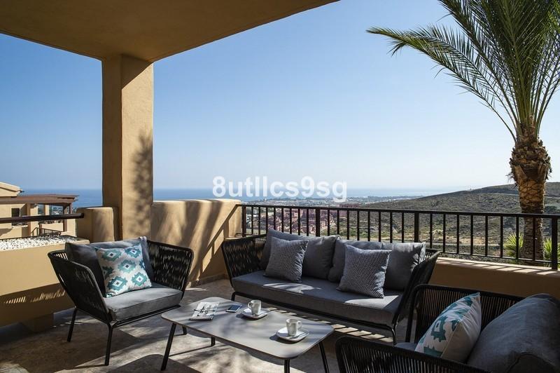 2 bed Property For Sale in Benahavís, Costa del Sol - 10