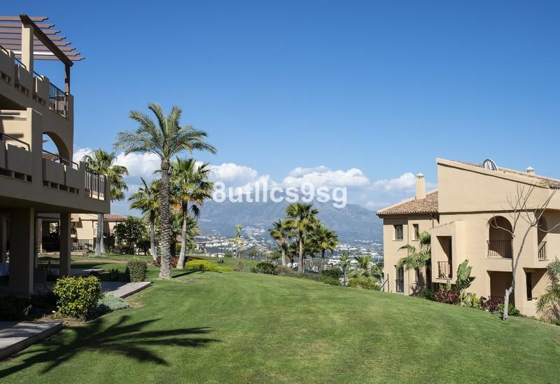 2 bed Property For Sale in Benahavís, Costa del Sol - 24