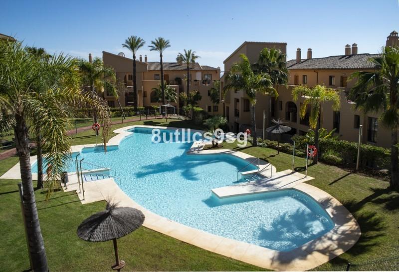 2 bed Property For Sale in Benahavís, Costa del Sol - 28
