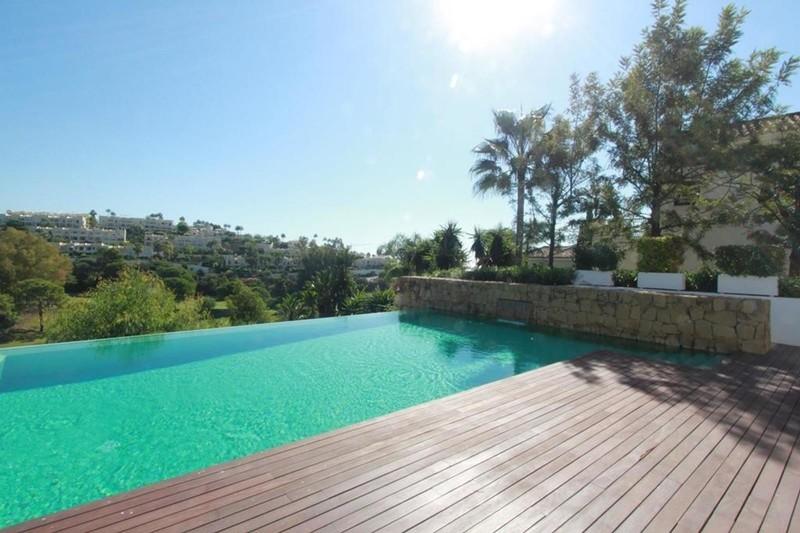 7 bed Property For Sale in La Quinta, Costa del Sol - 4