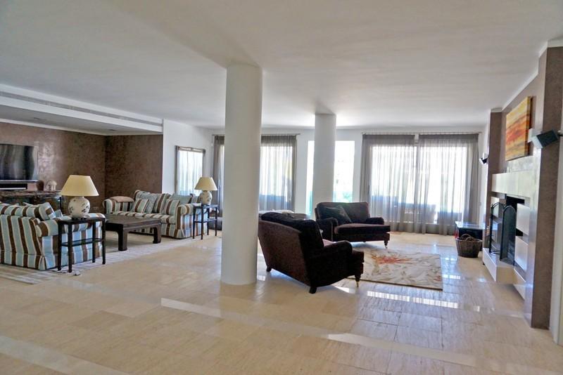 7 bed Property For Sale in La Quinta, Costa del Sol - 5