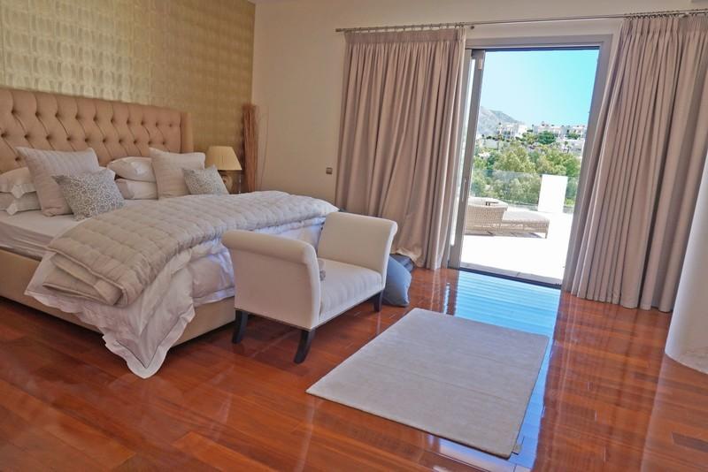 7 bed Property For Sale in La Quinta, Costa del Sol - 11