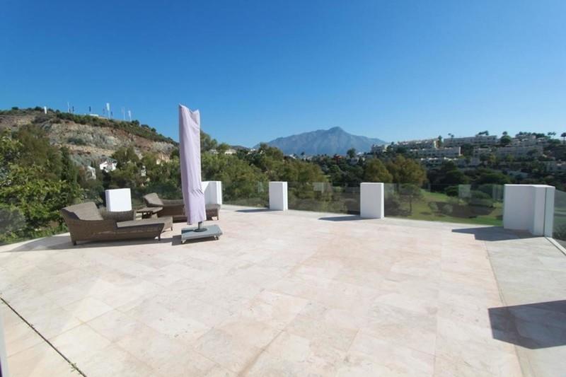 7 bed Property For Sale in La Quinta, Costa del Sol - 13