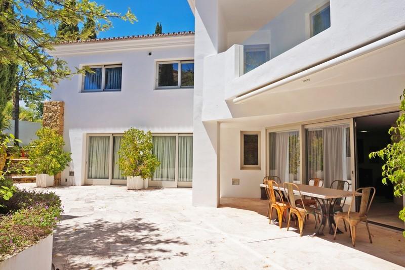 7 bed Property For Sale in La Quinta, Costa del Sol - 22