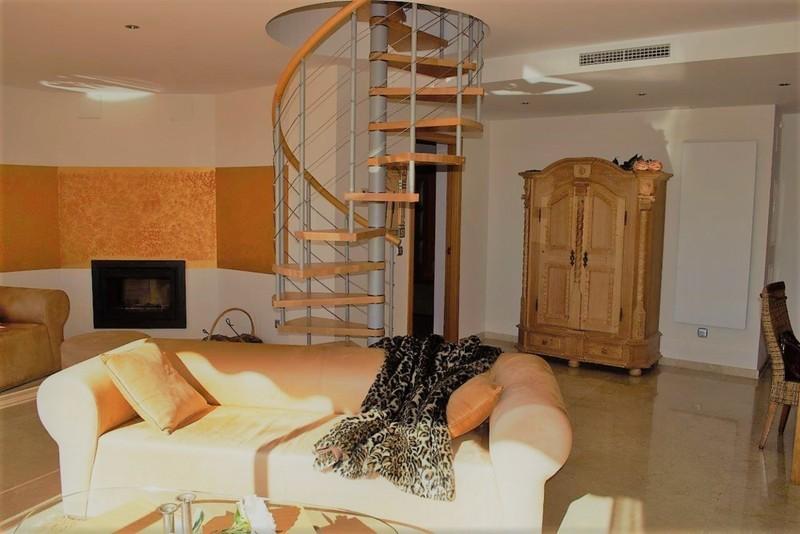 3 bed Property For Sale in Benahavís, Costa del Sol - 15