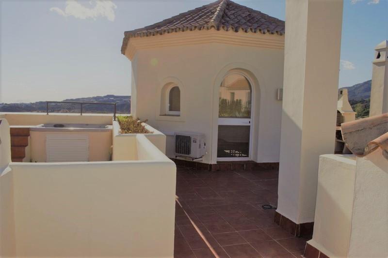 3 bed Property For Sale in Benahavís, Costa del Sol - 22
