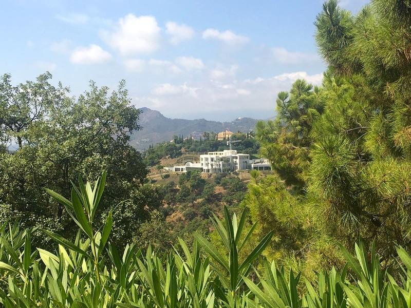10 bed Property For Sale in La Zagaleta, Costa del Sol - thumb 23